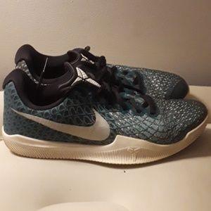 Kobe shoe